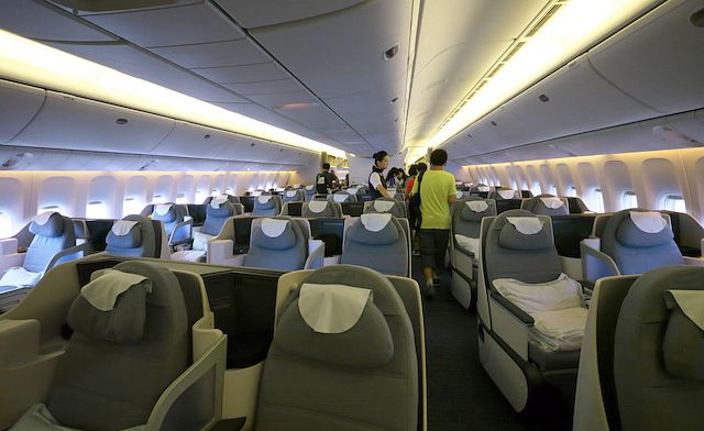Air China Business class Boeing 777-300ER_02.jpg