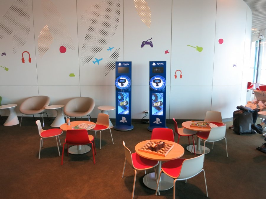 Air France Business lounge CDG 2E (L), game corner_11.JPG