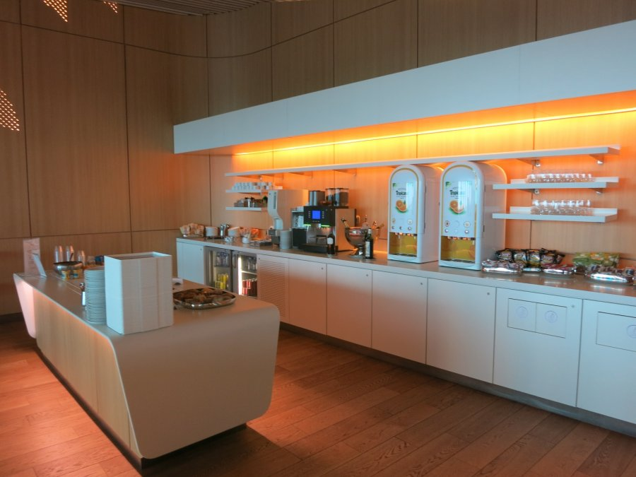 Air France Business lounge CDG 2E (L), kitchen_17.JPG