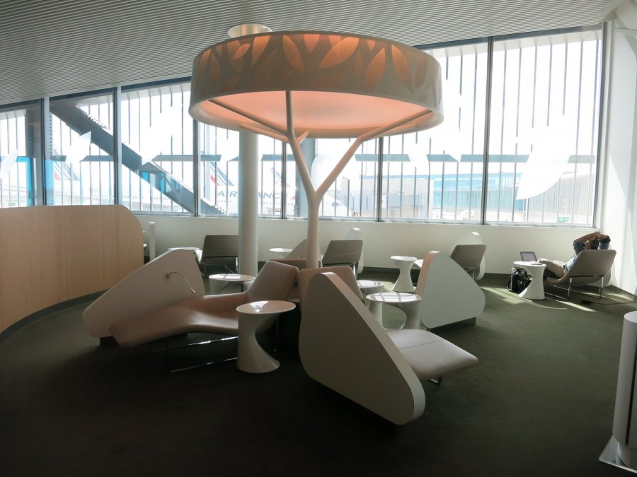 Air France Business lounge CDG 2E (L), rest area_00.JPG