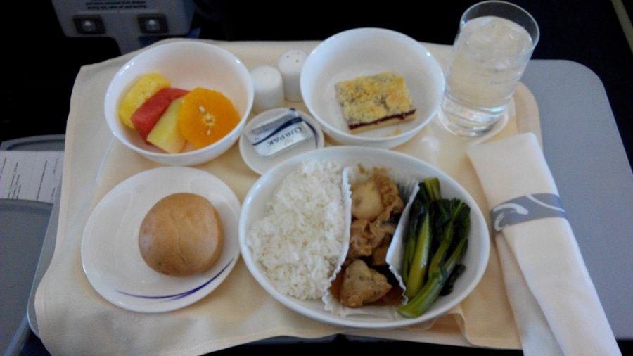China Airlines Business class A330 HKG-TPE, 17.jpg