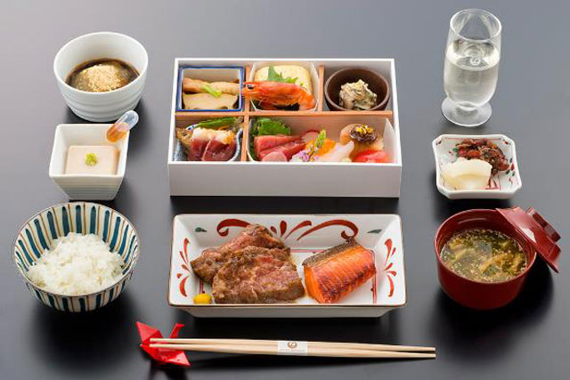 jal_bc_meal_01-640.jpg