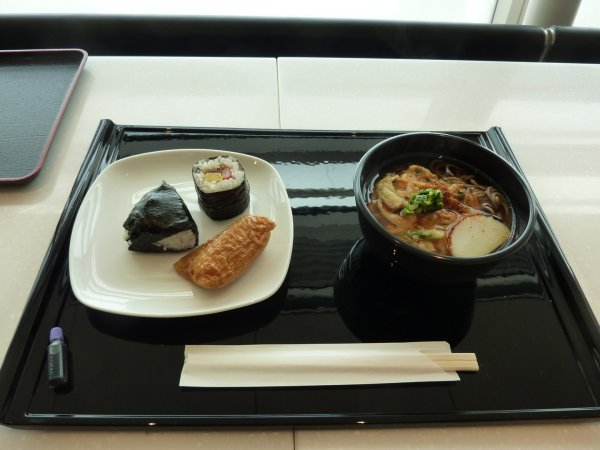 Haneda ANA Business class lounge_22.jpg