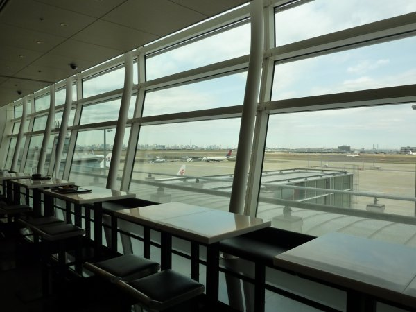 Haneda ANA Business class lounge_16.jpg