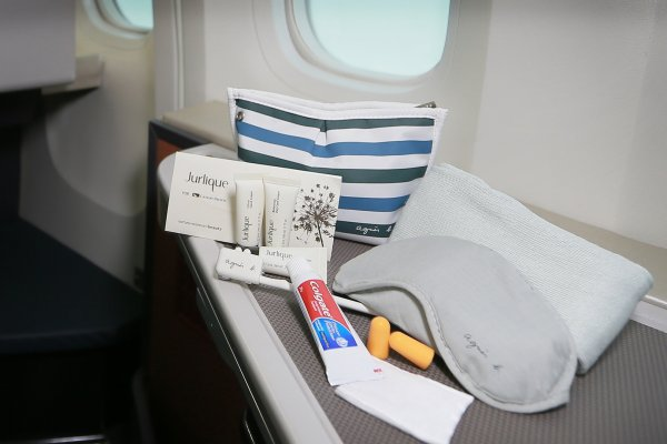 JCL amenity kit_02.jpg