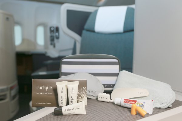 JCL amenity kit_03.jpg