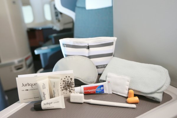 JCL amenity kit_04.jpg