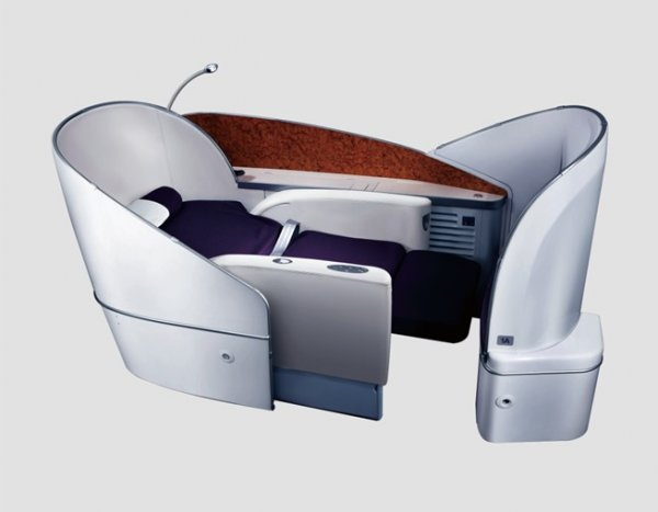 B787 First Class - Experience Luxurious Skybed 01.jpg