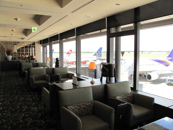 United First class lounge NRT_02.jpg