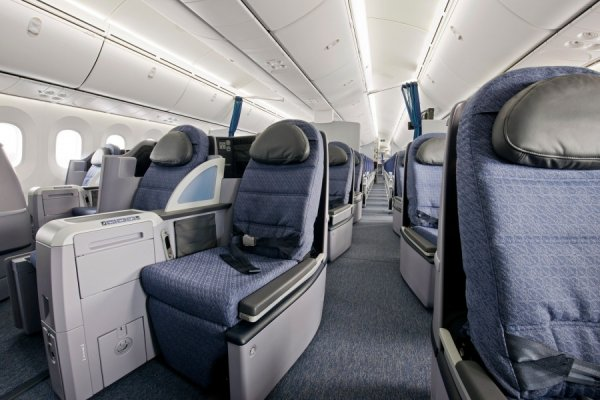 United-787-Dreamliner-Interior_5.jpg