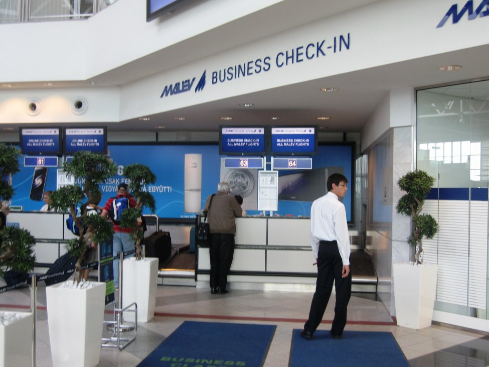 Malev Business Class check-in i Budapest