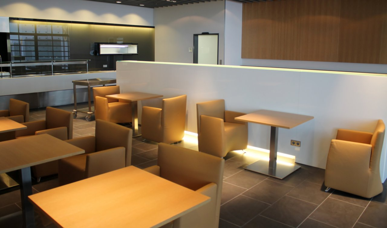 Nya Lufthansa First Class Lounge i A-plus piren i Frankfurt