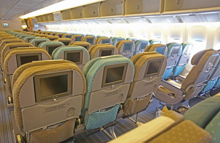 Singapore Airlines 777-200ER Economy class