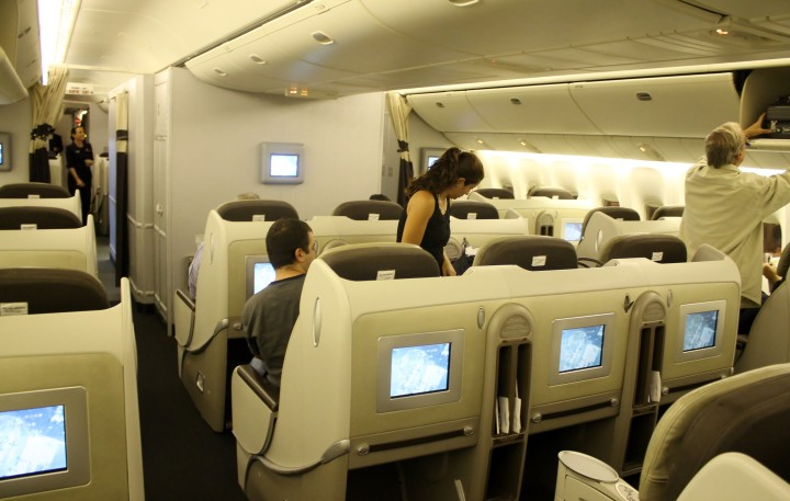 Air France Business Class Boeing 777 Singapore-Paris CDG