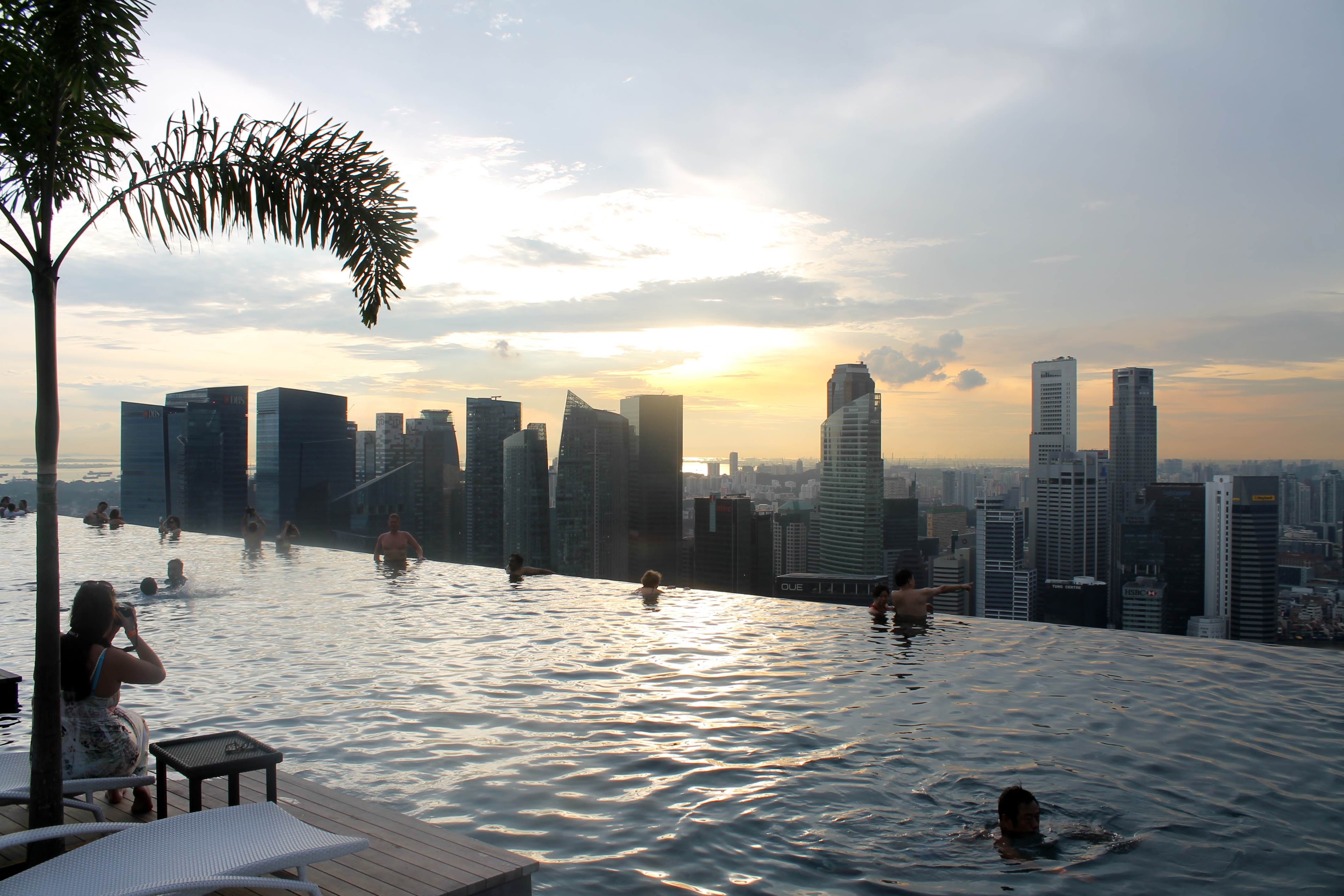 Review marina bay sands hotel a landmark in singapore for Marina bay sands swimming pool entrance fee