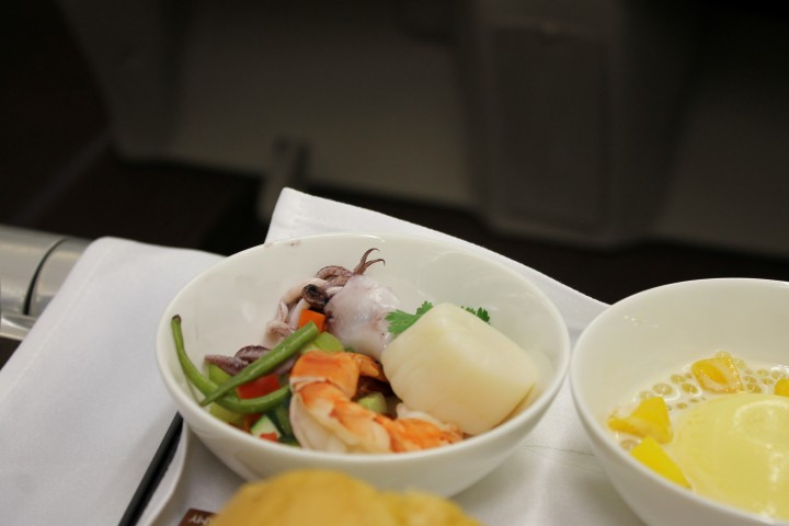 Philippine Airlines Business Class Hong Kong-Manila