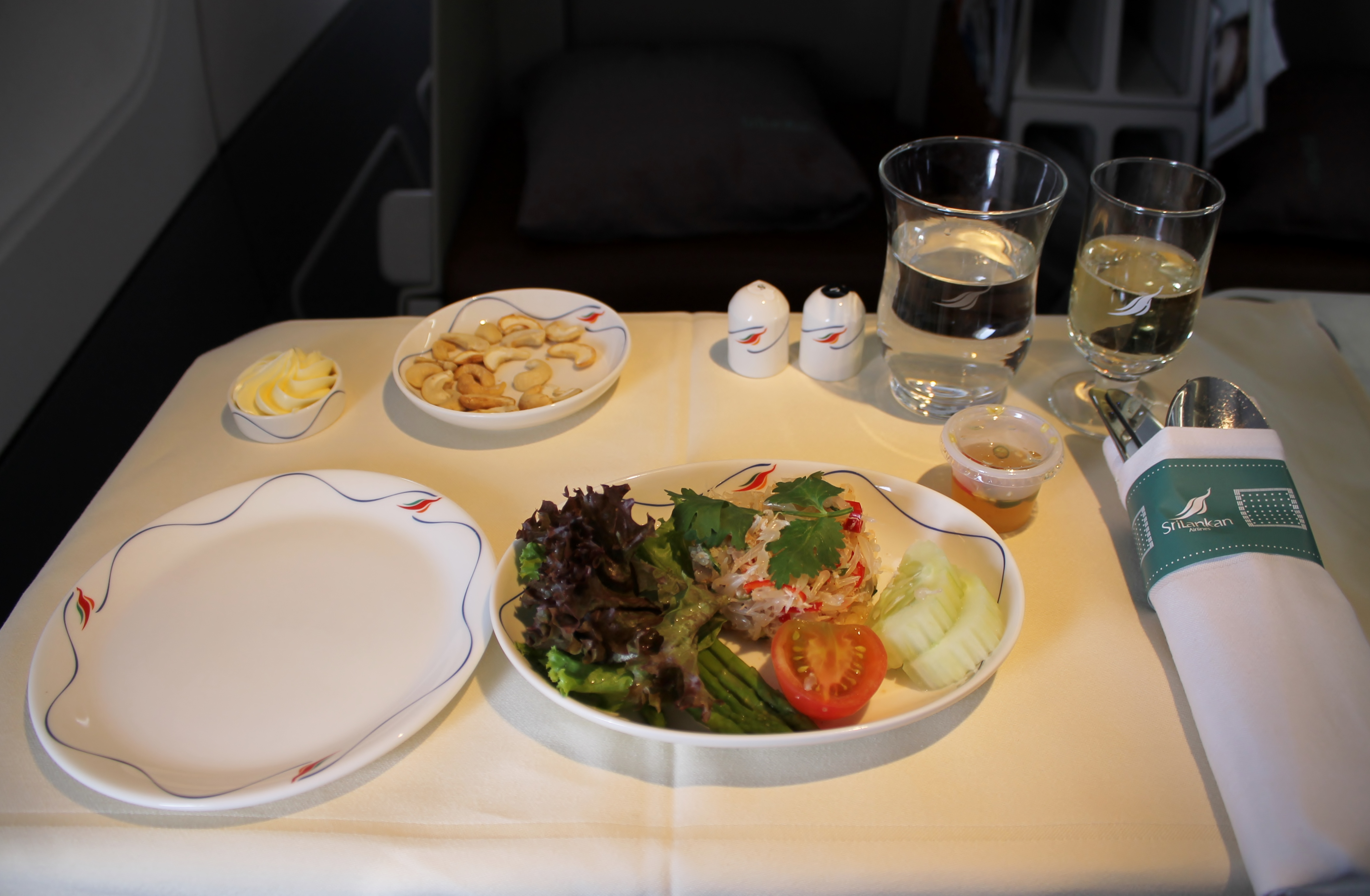 Review srilankan new business class bangkok hong kong - Srilankan airlines ticket office contact number ...