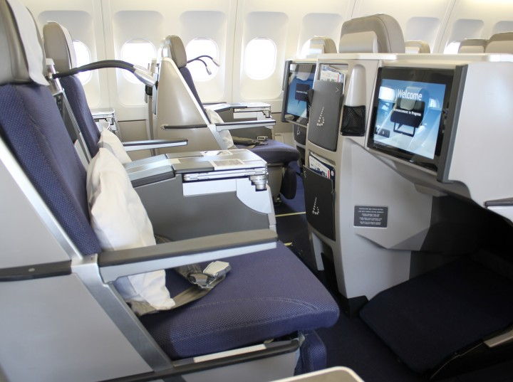Brussels Airlines Business class b.business cabin Airbus A330