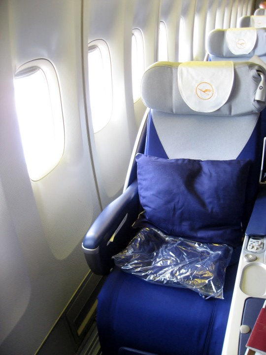 Lufthansa Business Class seat Airbus A330 Airbus A340