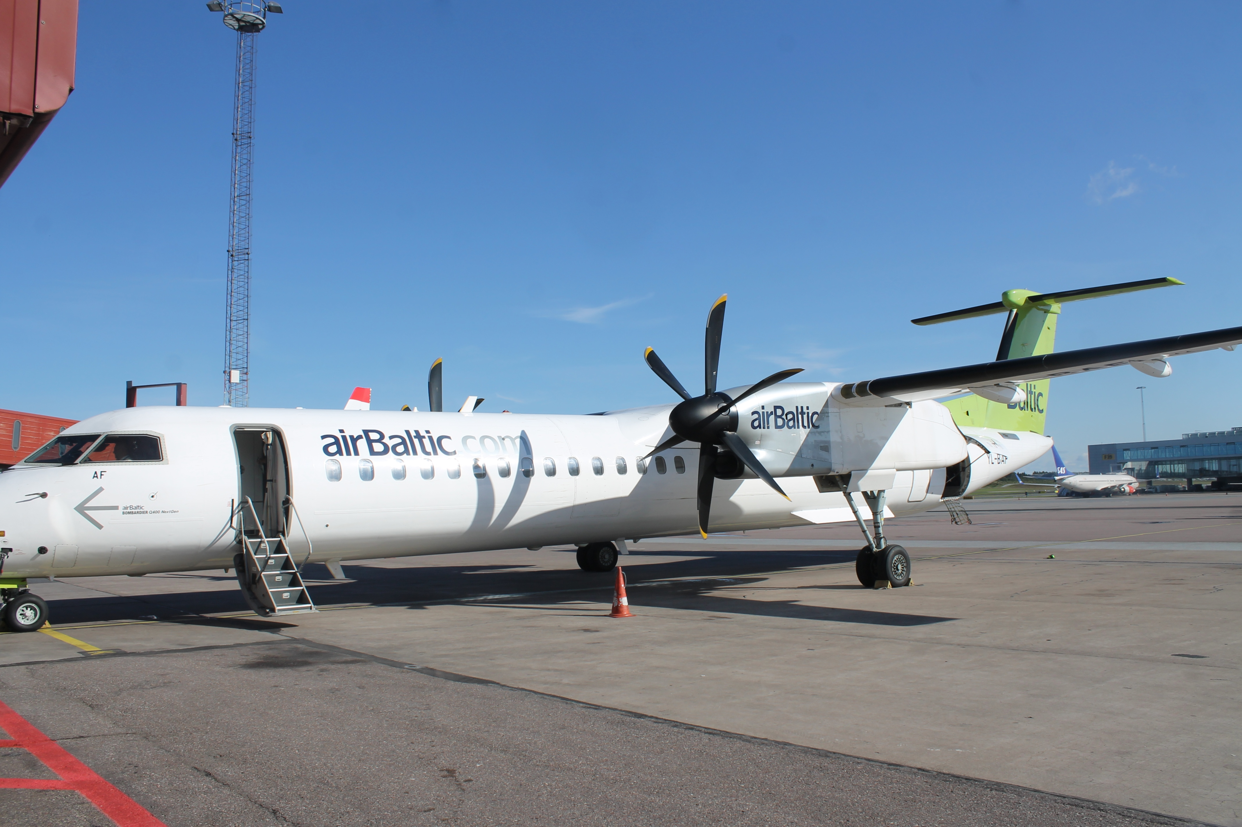 Airbaltic plane