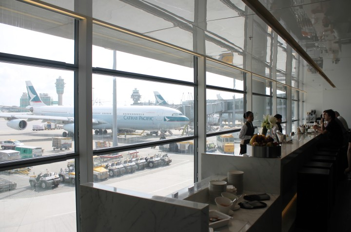 Cathay Pacific The Bridge Lounge, Hong Kong