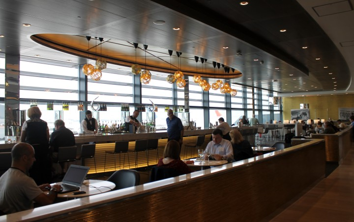 United Club Lounge, London Heathrow Terminal 2 01