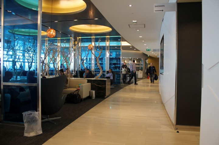 United Club Lounge, London Heathrow Terminal 2 02