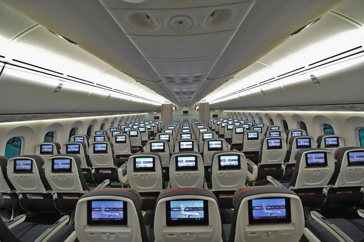 Air Canada Boeing 787 Dreamliner Economy Class
