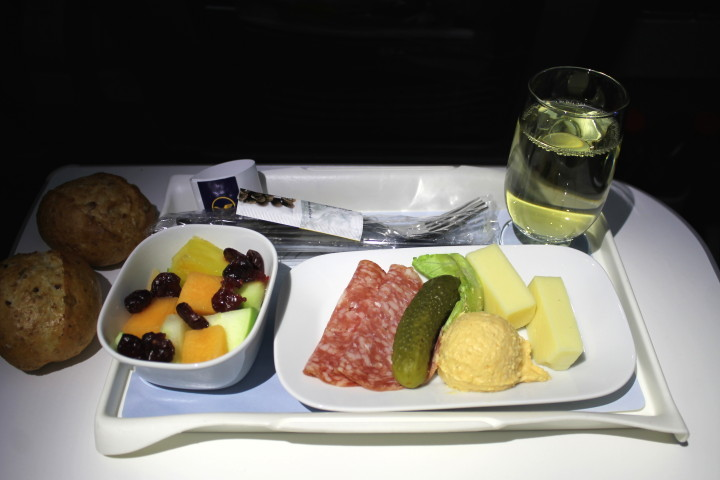 First flight with Lufthansa Premium Economy Frankfurt-Washington
