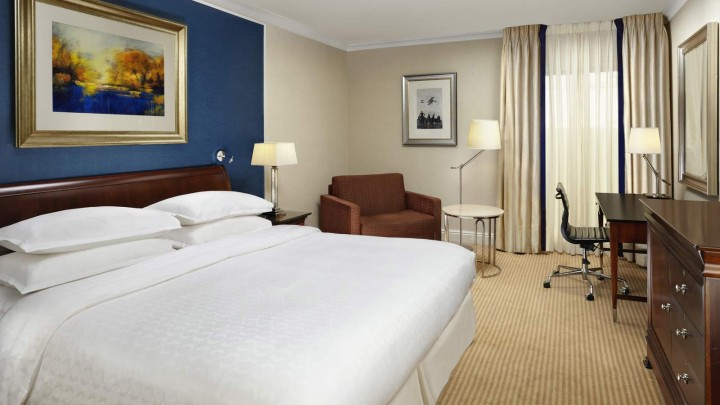Sheraton Skyline London Heathrow Classic Room