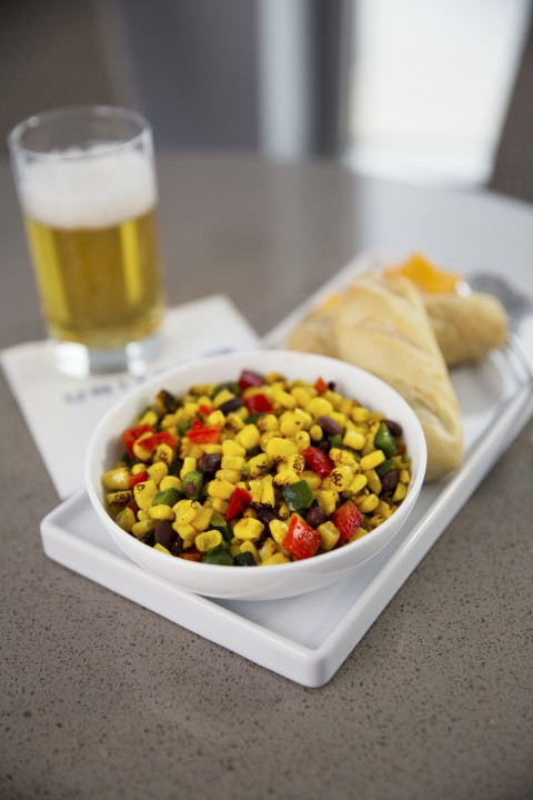 United Airlines United Club - Seasonal Healthy Salads