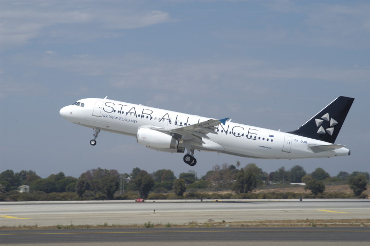Air New Zealand Star Alliance Airbus A320