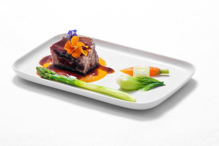 Finnair-Signature-Menu-by-Steven-Liu_-Corn-Fed-Beef-Short-Rib-720x480