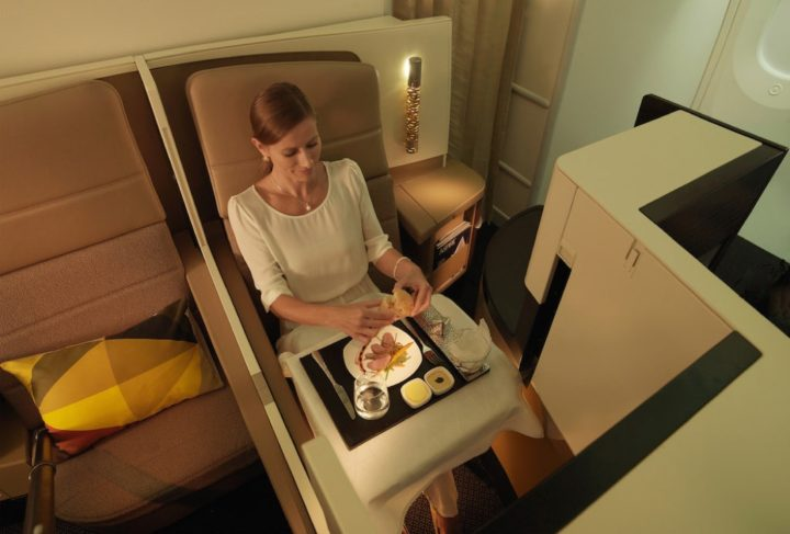 review-Business-etihad-studio-on-boeing-787-dreamliner-1