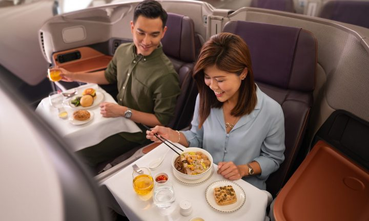Business-Class-Dining-Singapore-Airlines-2000x1200