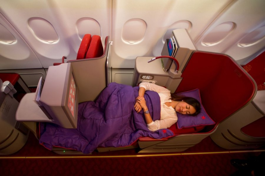 Hong Kong Airlines Business class Airbus A330.jpg