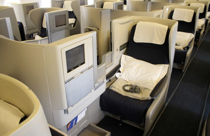British Airways Business Class Club World seat Boeing 777