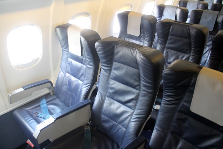 Brussels Airlines Business class b.business cabin Avro-100