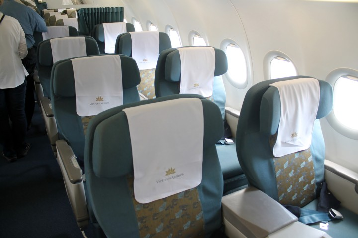 Vietnam Airlines Business Class cabin Airbus A320