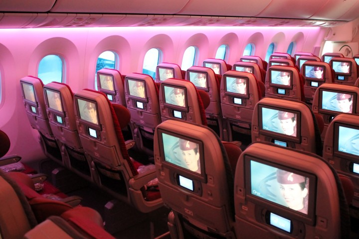 Qatar Airways Boeing 787 Dreamliner Economy Class