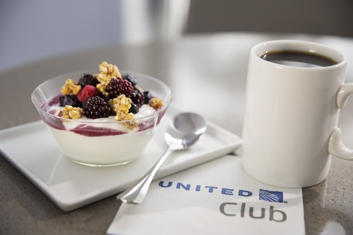 United Airlines United Club - Greek Yoghurt