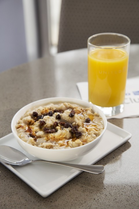 United Airlines United Club - Hot Old-Fashioned Oatmeal