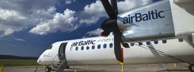 Air Baltic Dash 8-400