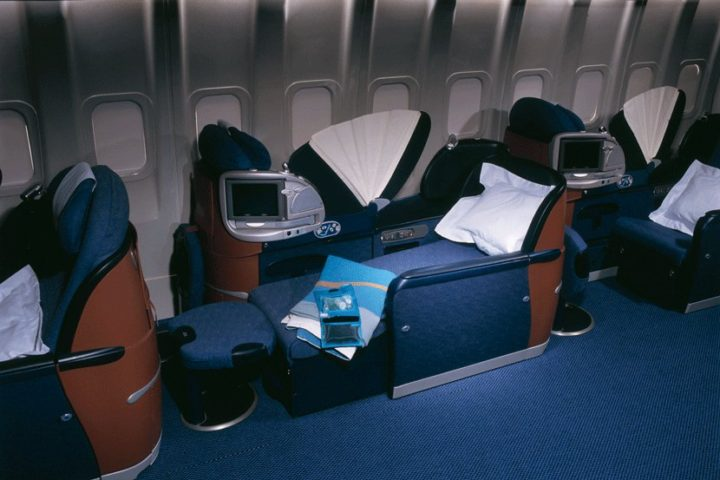 -BA-club-world-flat-bed