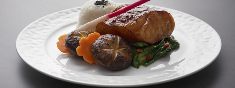 Qatar-Airways-food-1-e1527576617536-916x515-800x300
