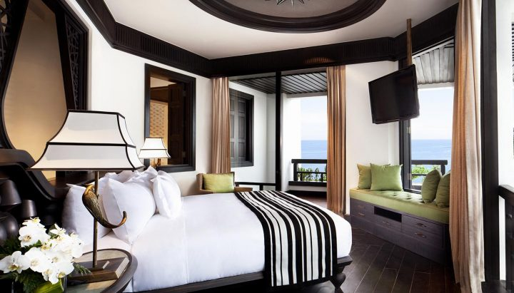 1.Son-Tra-Terrace-Suite-King-Bed