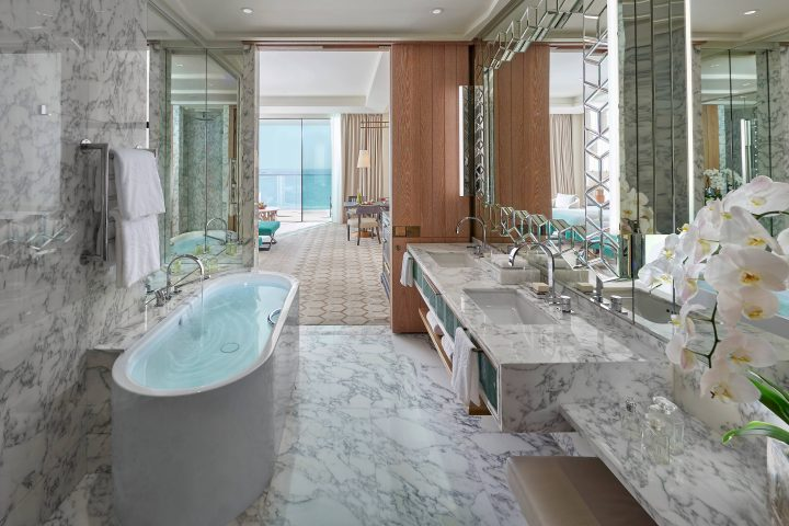 dubai-room-premiere-sea-view-bathroom